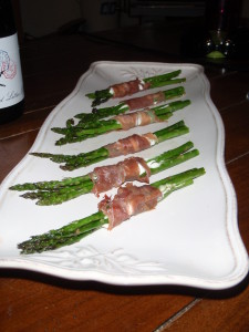 Prosciutto wrapped asparagus w/goat cheese